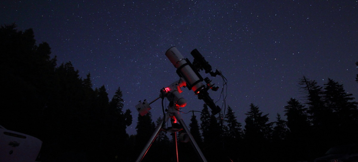 Imaging telescope set-up for astrophotography under a starry night sky